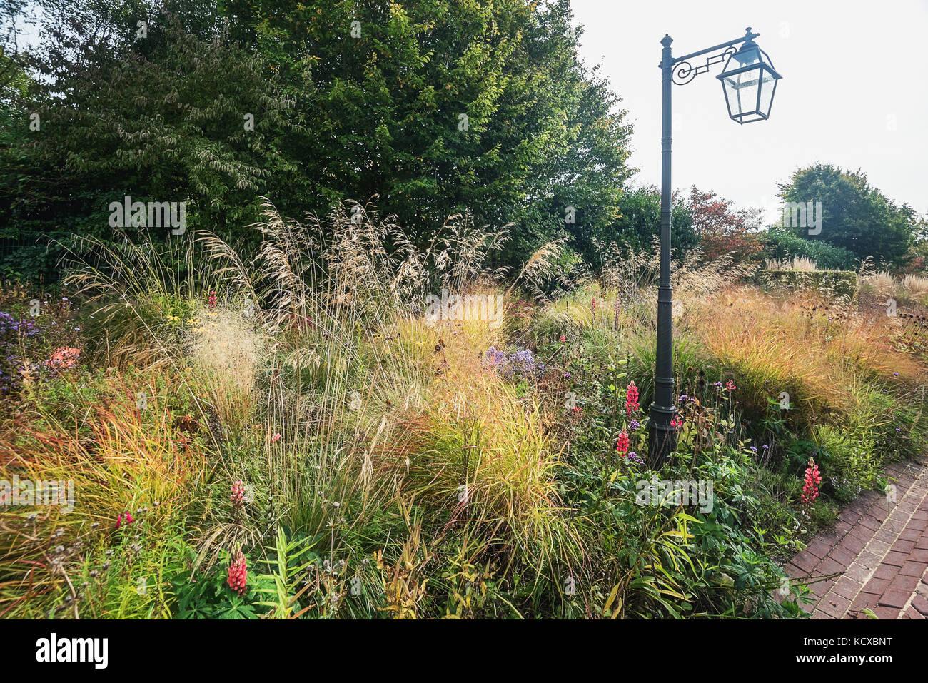 Berühmt Romantische Gartengestaltung Stockfotos & Romantische #VR_88