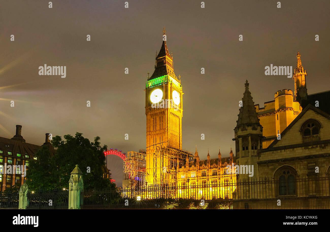 Der Big Ben Tower bei Nacht, London, UK. Stockbild