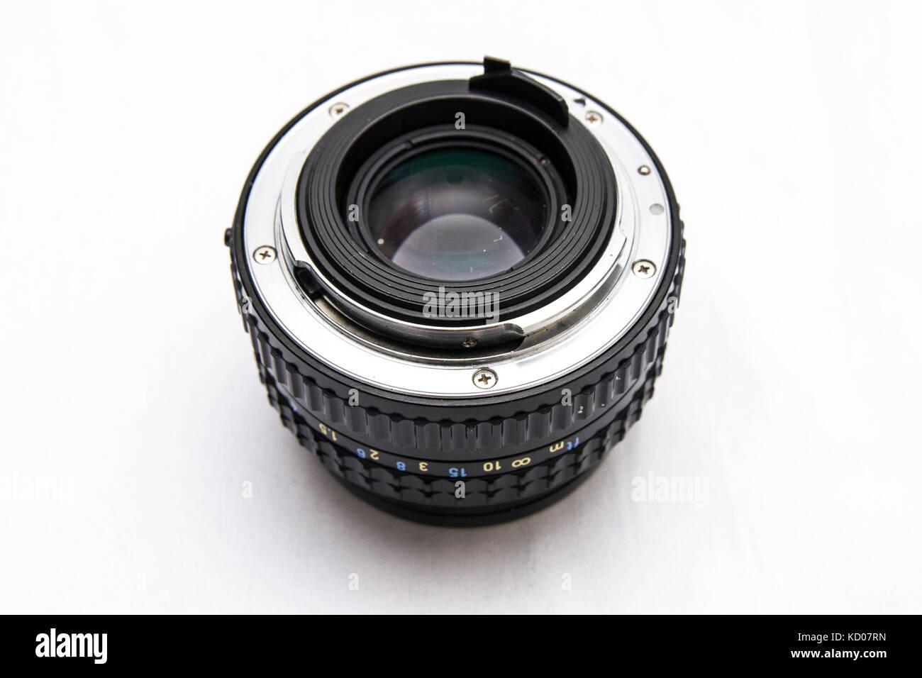 Pentax SMC 50mm f/1.7 Objektiv mit fester Brennweite. Vintage Objektive, manueller Fokus, automatische Blende. Nette Stockbild