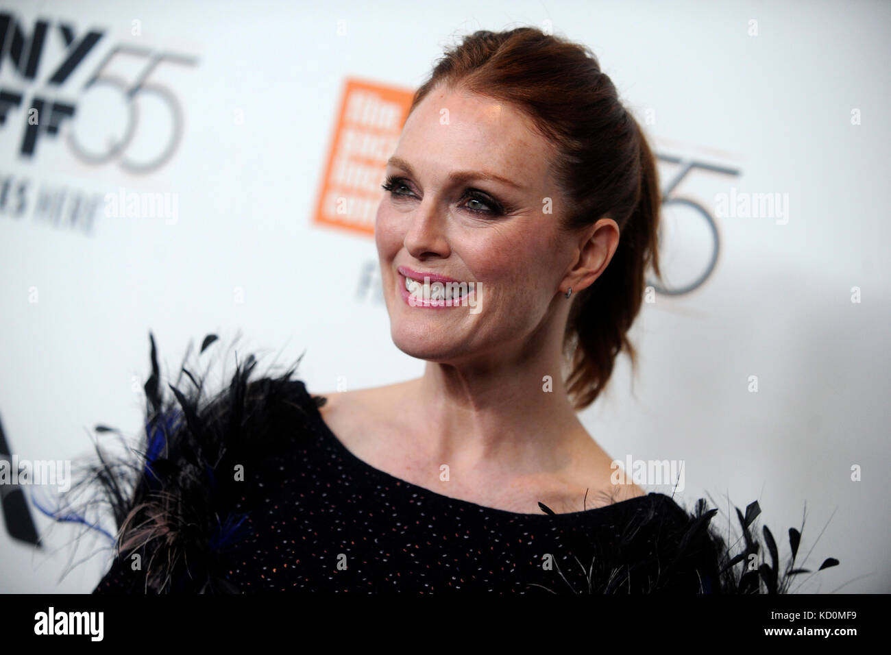 Julianne Moore besucht die 'überrascht' Premiere während der 55Th New York Film Festival in der Alice Tully Hall Stockfoto