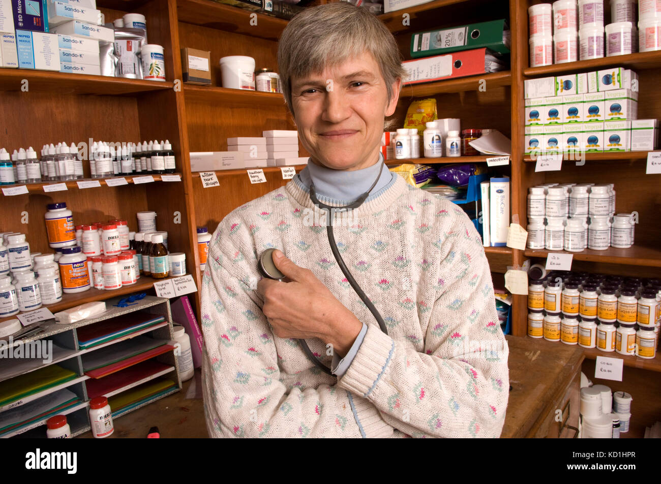Alternative Therapie Practitioner, Dr. Sarah myhill an ihrem Haus/Praxis in Knighton, Powys, Wales. Stockbild
