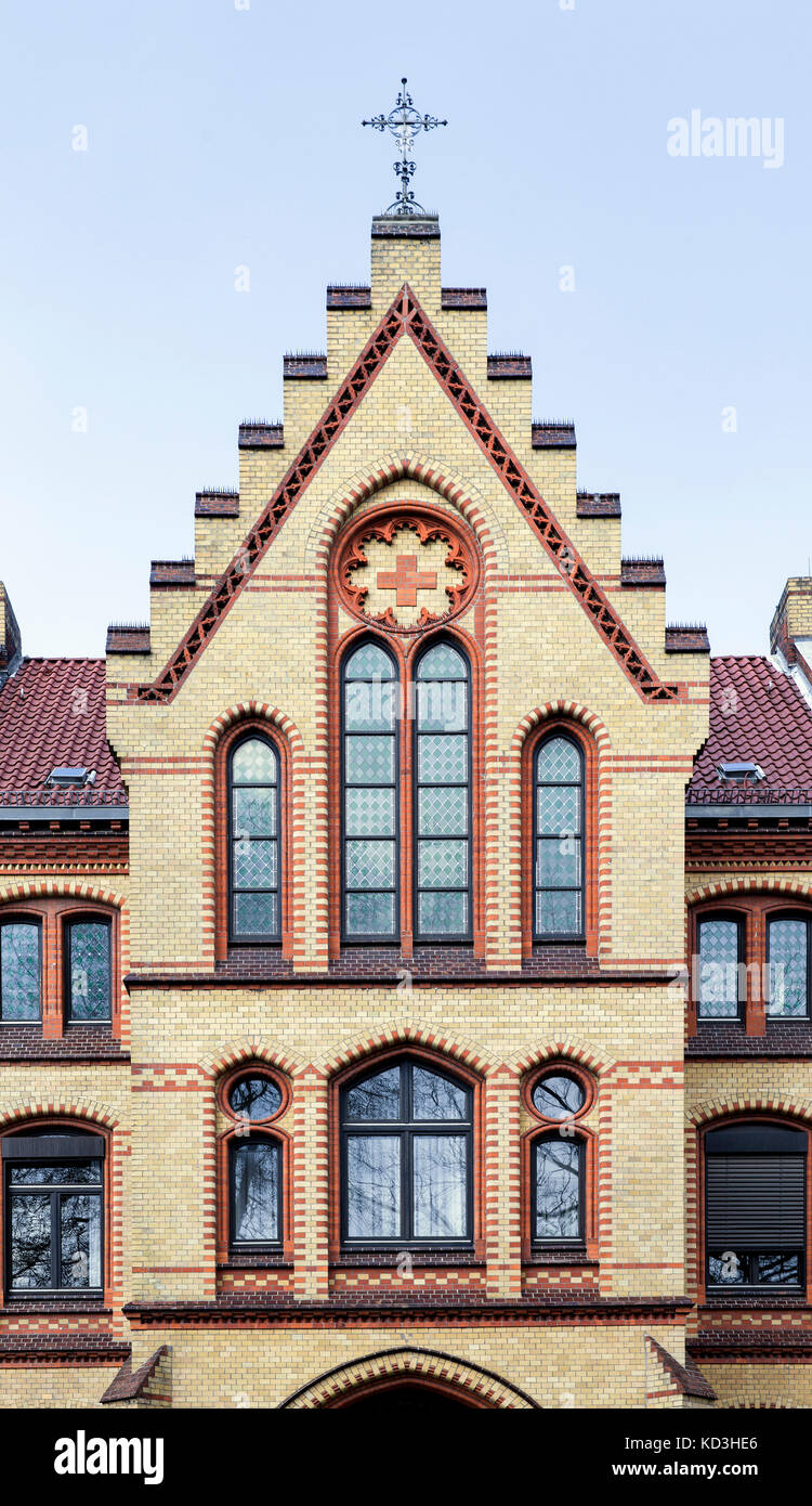 Giebel, DRK-Krankenhaus clementinenhaus, Deutsches Rotes Kreuz, oststadt, Hannover, Niedersachsen, Deutschland Stockbild