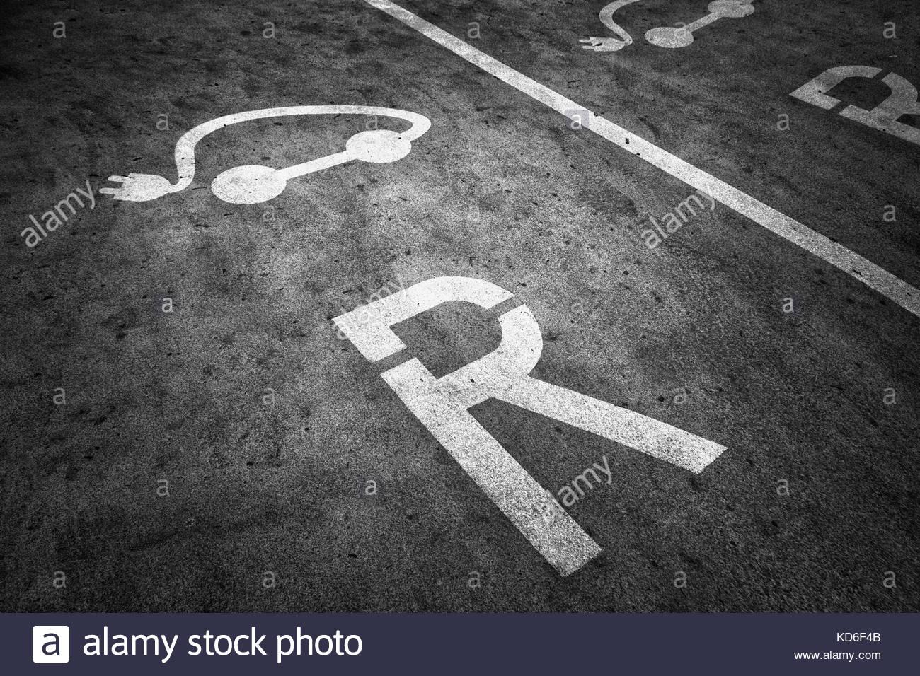 Freie elektrische Fahrzeug parken Bahnhof Hintergrund Zeichen auf ...