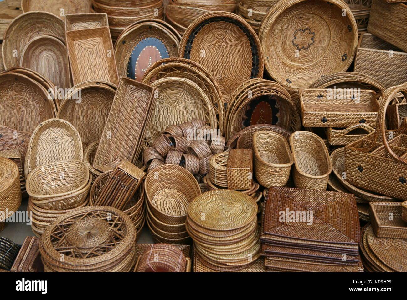 Körbe und Korbwaren zum Verkauf in Bali - Körbe und Geschenke für Verkauf auf Bali Stockfoto
