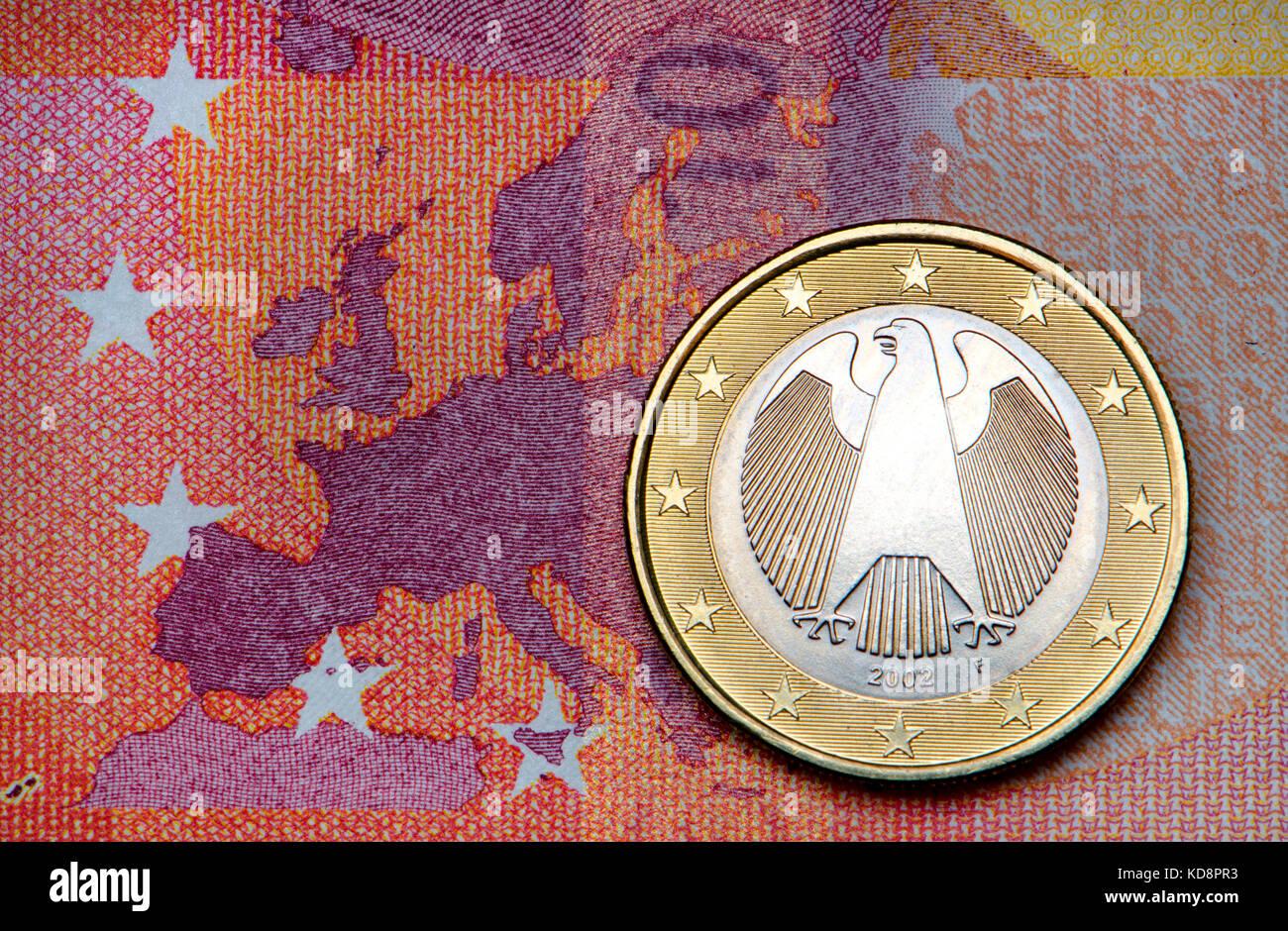 Deutsche Euro Münze Auf 10 Euro Hinweis Stockfoto Bild 163077351