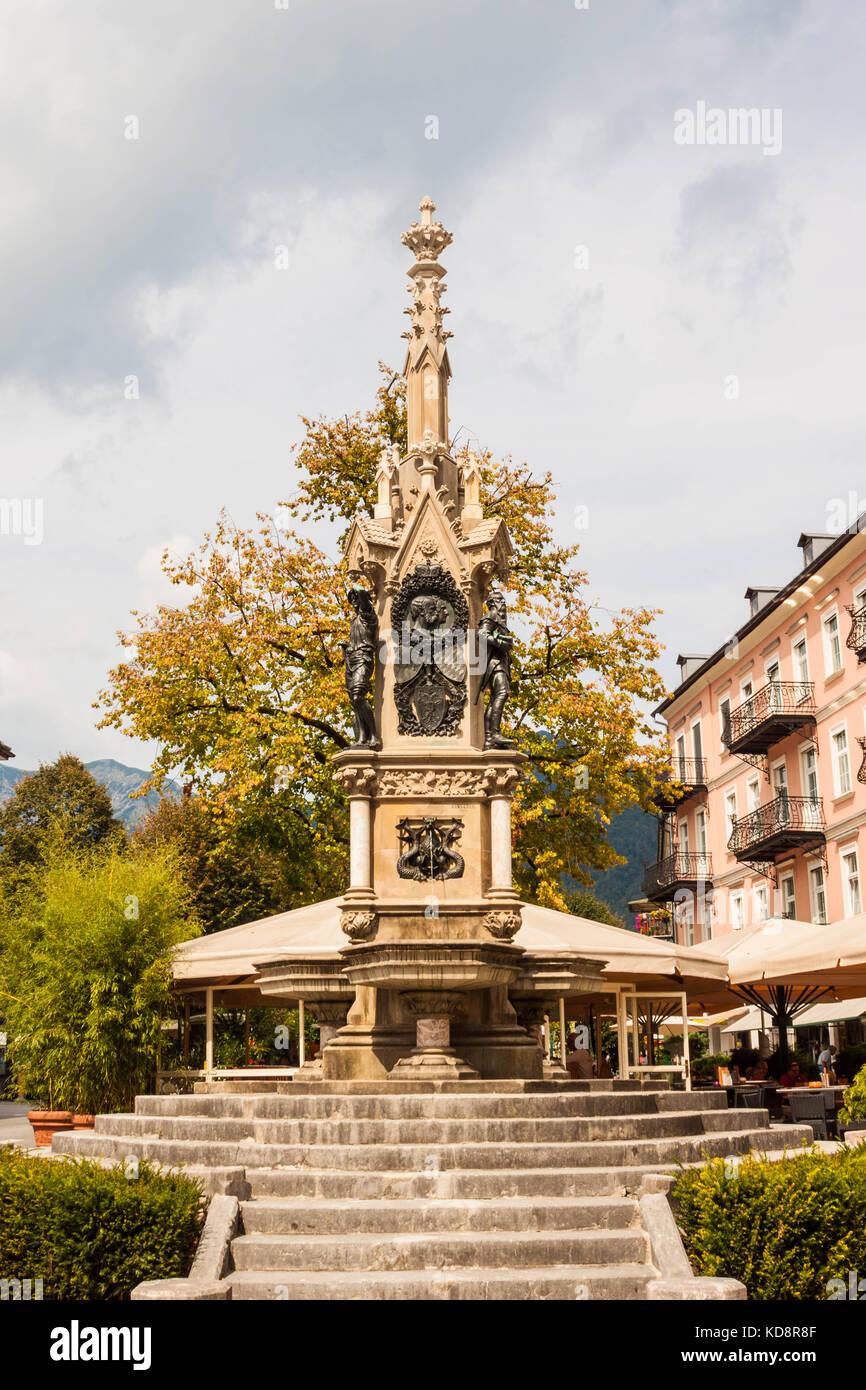 Bad Ischl, Österreich - 2 September, 2016: neo-gotischen Franz Karl Franz Karl Brunnen (Brunnen) mit Bronze Stockbild