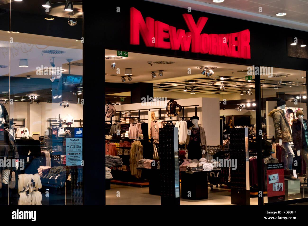 new yorker fashion stockfotos und -bilder kaufen - alamy