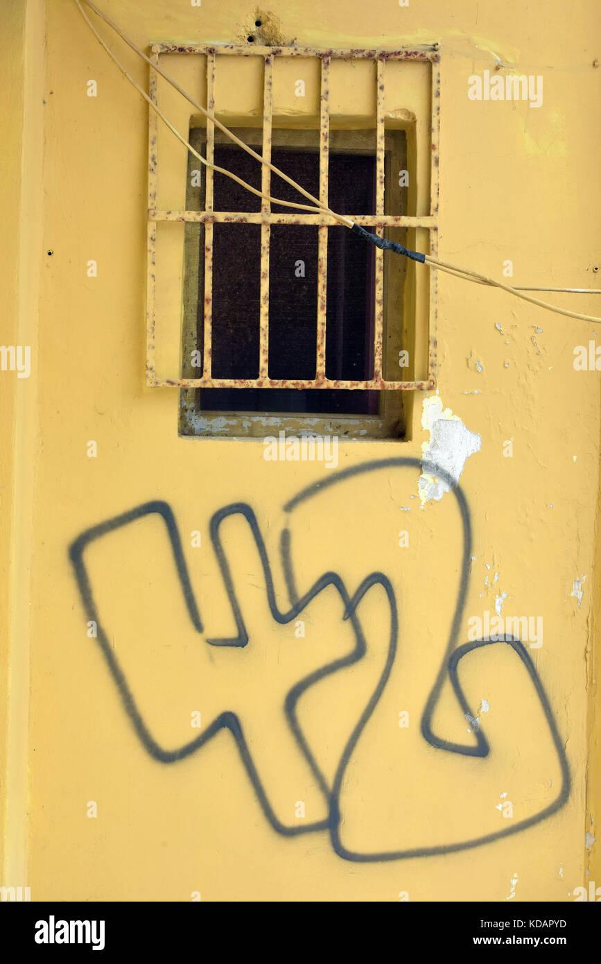 Die Zahl 42 in Graffiti script mit einer Sprühdose können Geschrieben von Vandalen oder Künstler Stockbild