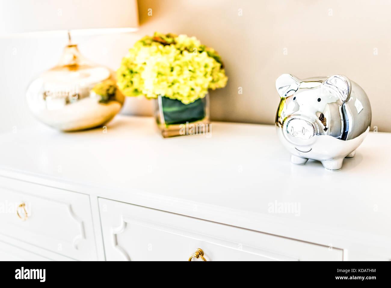 Nahaufnahme Des Modernen Hellen Holzmöbeln Brust Schublade Im Schlafzimmer  Mit Natürlichem Licht In Der Inszenierung Heim, Haus Wohnung Modell Mit ...