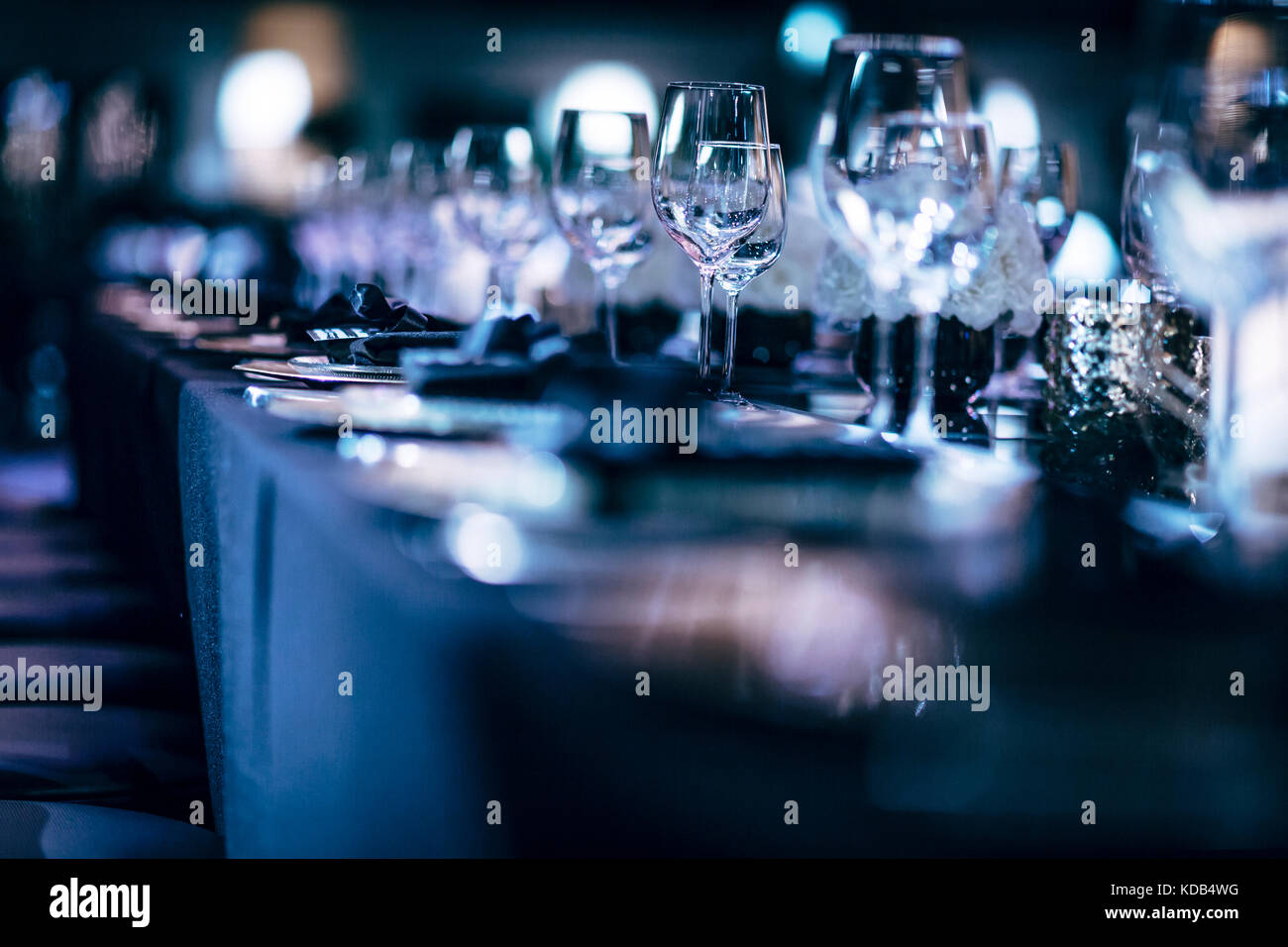 Luxus Tabelle Einstellungen für feine und Glaswaren, schöner ...