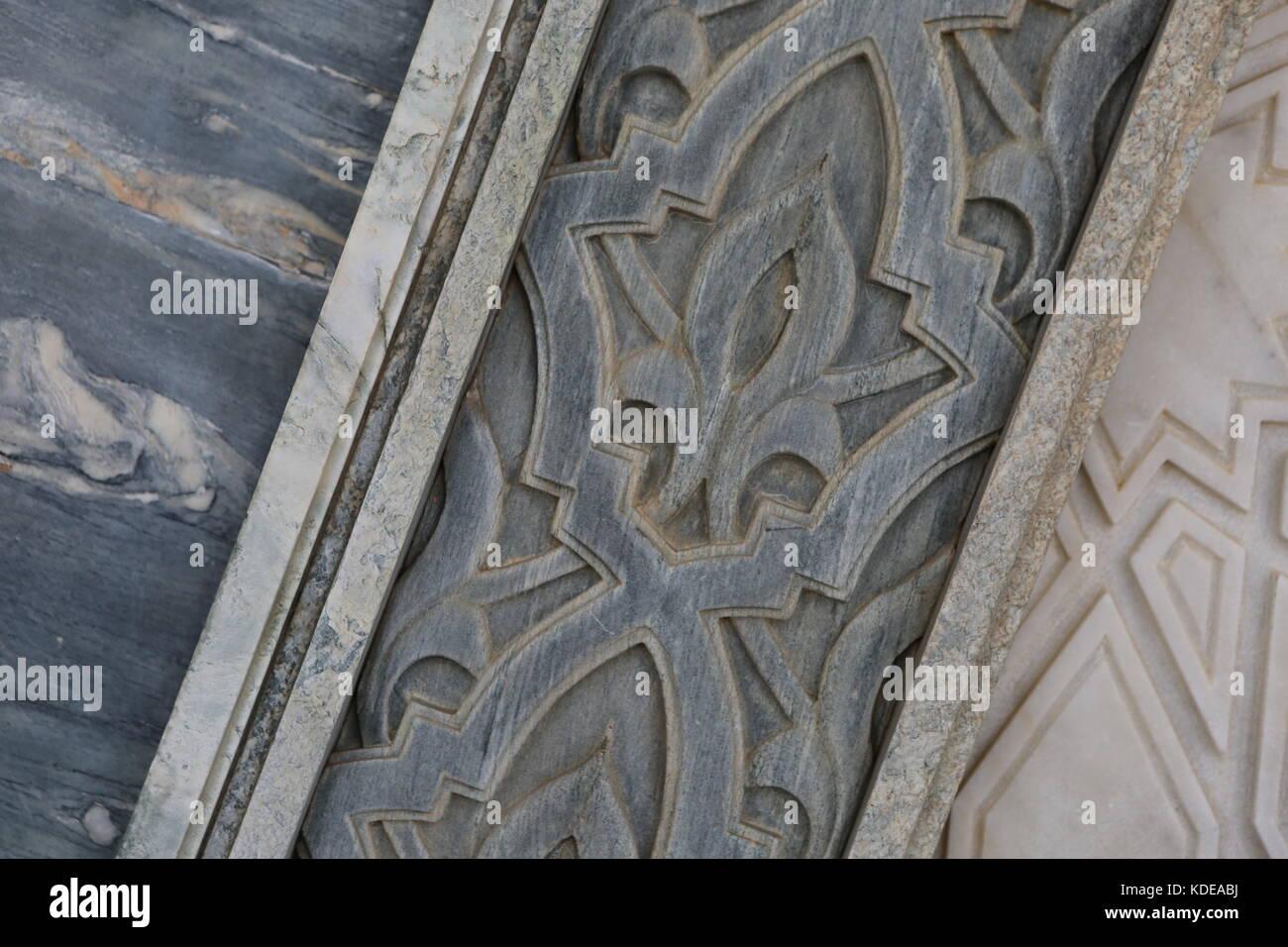 Muster Marokko eine Türe und Zauberstab - Marokko Muster auf Tür und Wand Stockbild