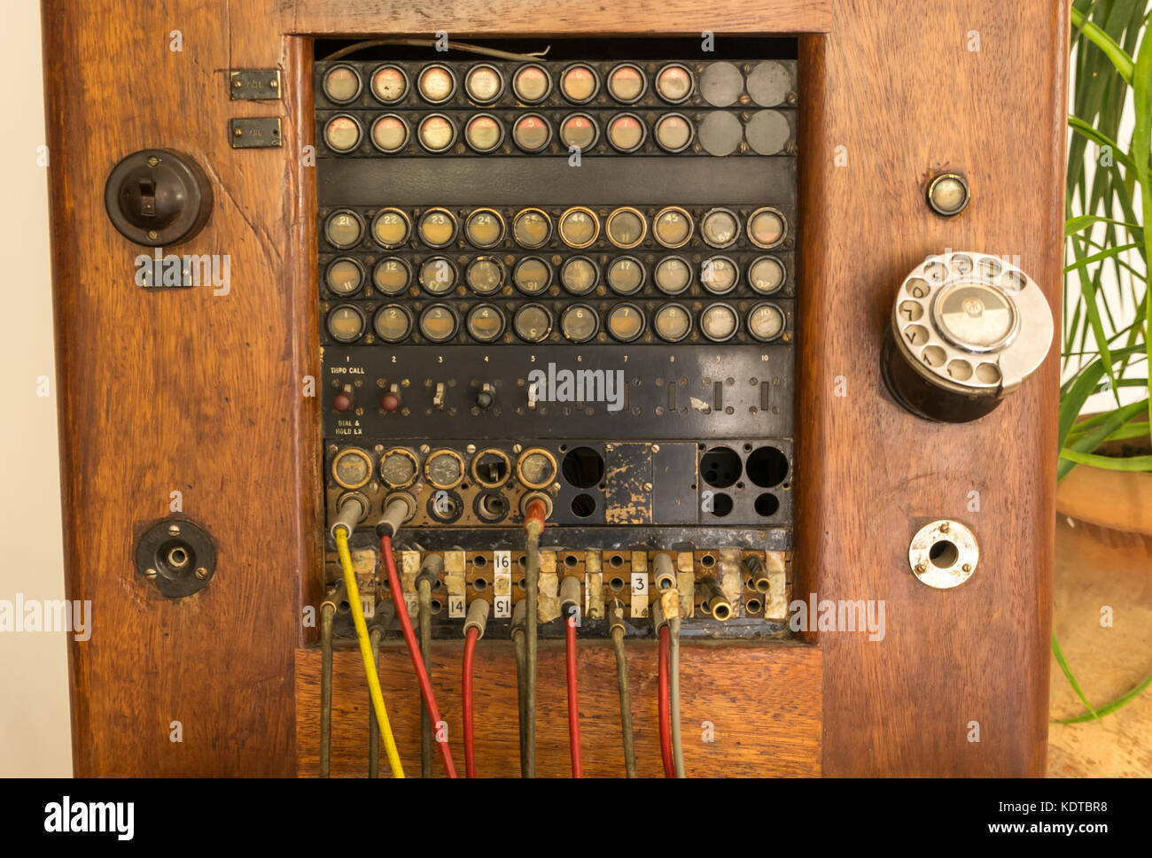 Old Fashioned Telephone Switchboard Stockfotos & Old Fashioned ...
