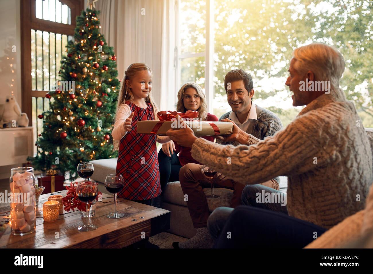 Großvater, Geschenk für kleine Mädchen für Weihnachten und das neue ...
