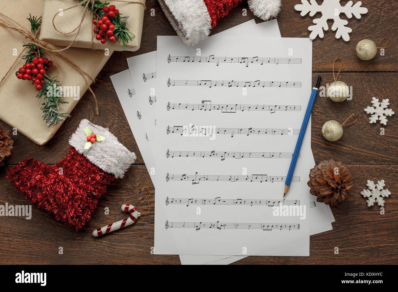 Frohe Weihnachten Musik.Luftaufnahme Von Frohe Weihnachten Und Musik Hintergrund Konzept