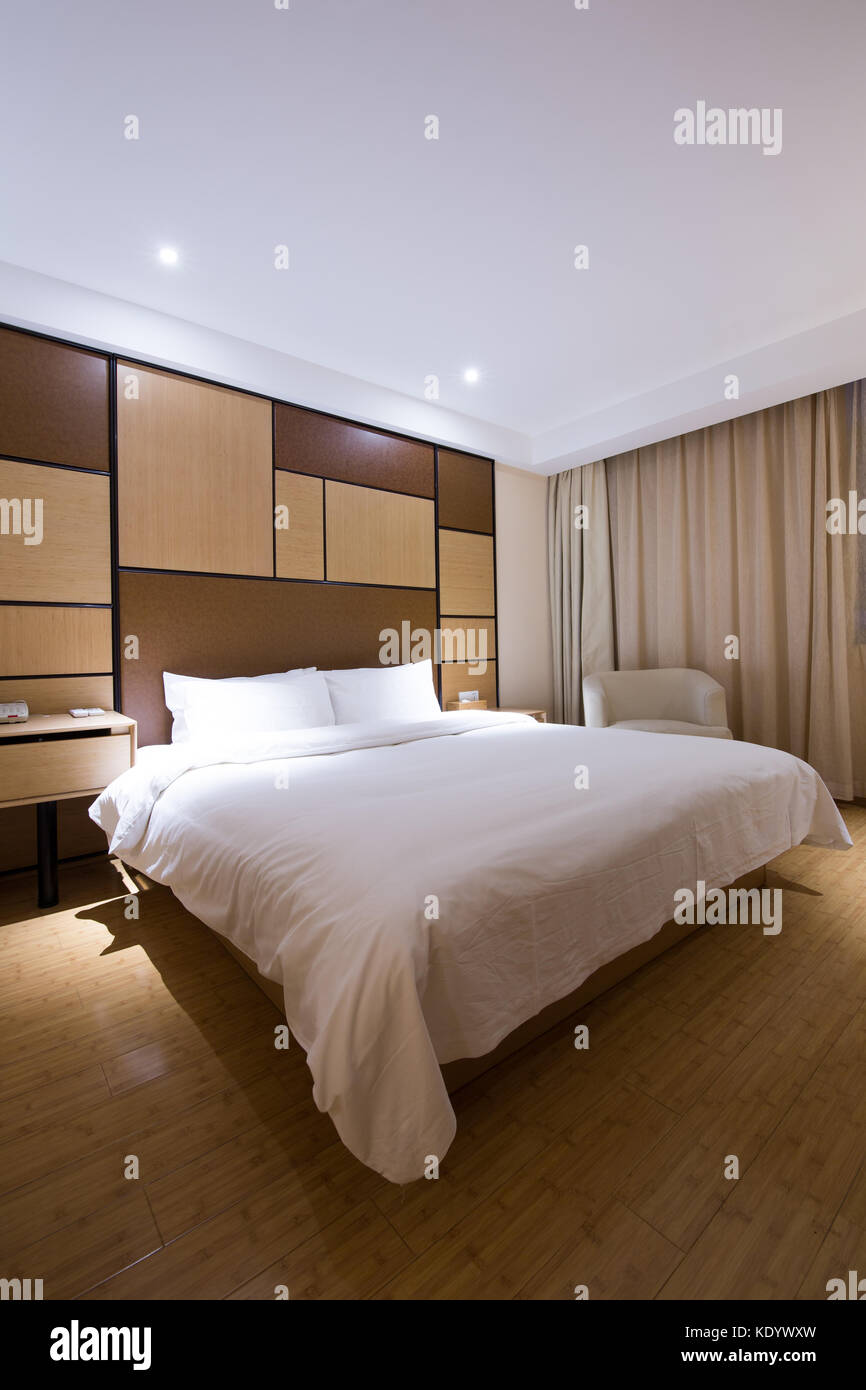 Luxus modernen japanischen Stil Schlafzimmer Stockfoto, Bild ...
