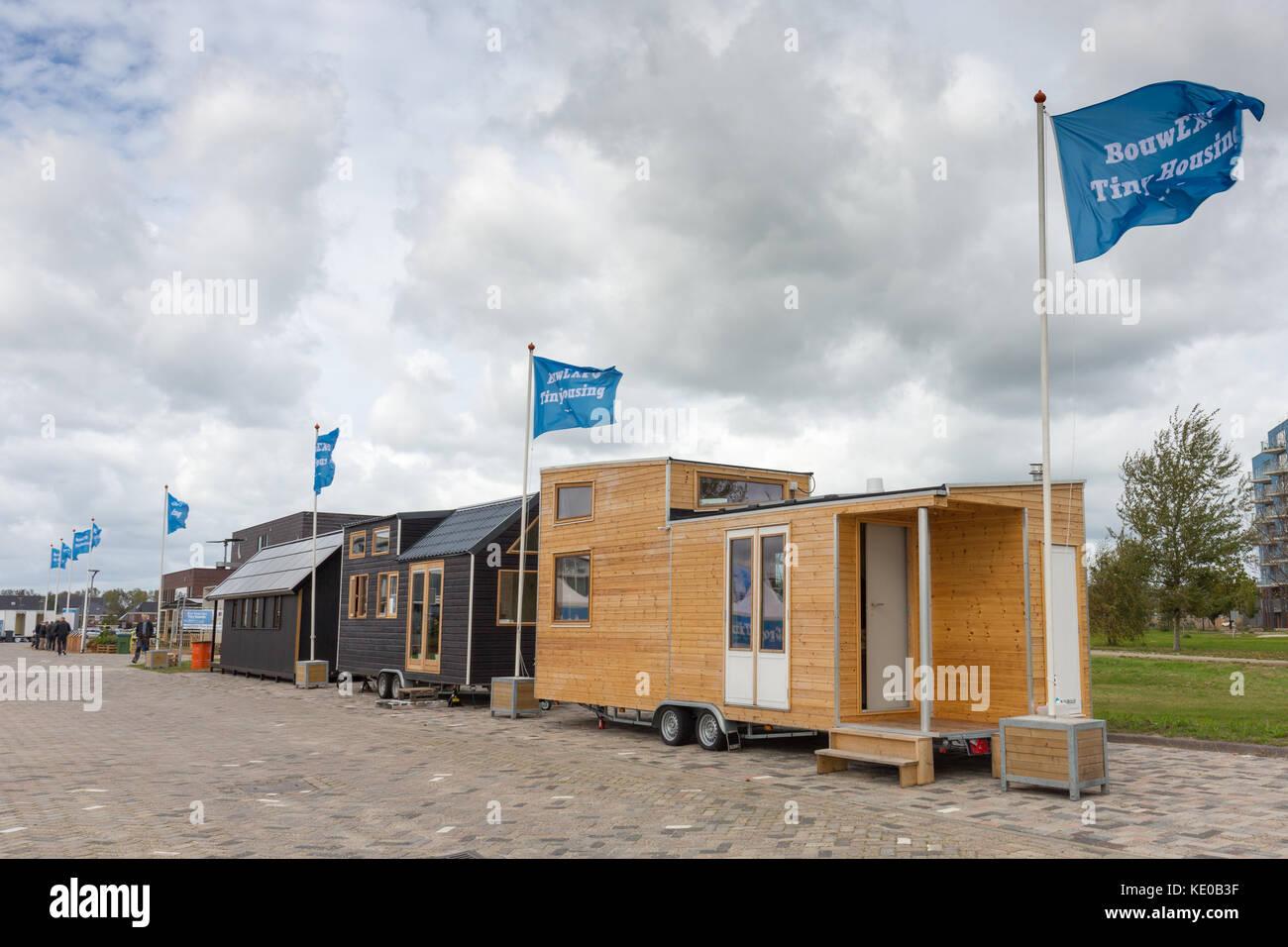 Winzige Häuser in Almere, Niederlande während des winzigen Gehäuse Ausstellung im Oktober 2017 Stockbild