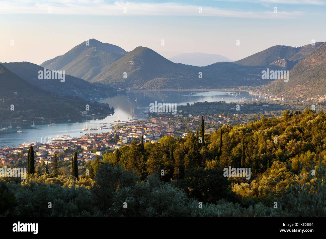 Das Dorf Nydri auf Lefkada Insel in Griechenland. Stockbild