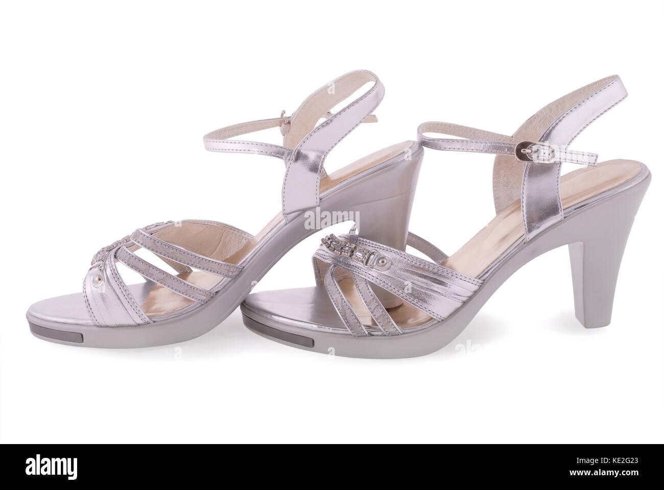 Silberne Schuhe Auf Weissem Hintergrund Stockfoto Bild 163555003