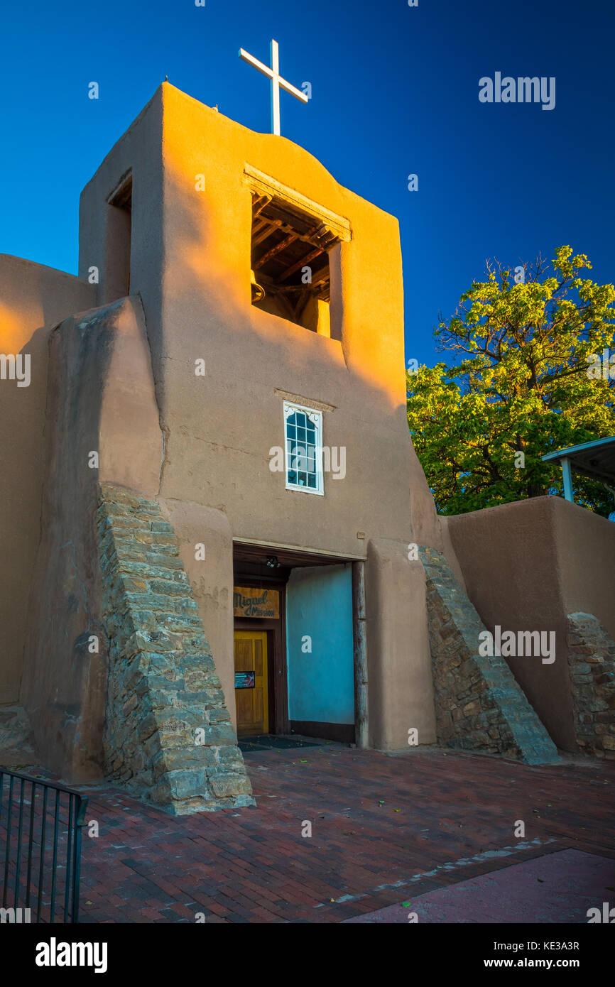 san miguel mission in santa fe die hauptstadt des bundesstaates new mexico stockfoto bild. Black Bedroom Furniture Sets. Home Design Ideas