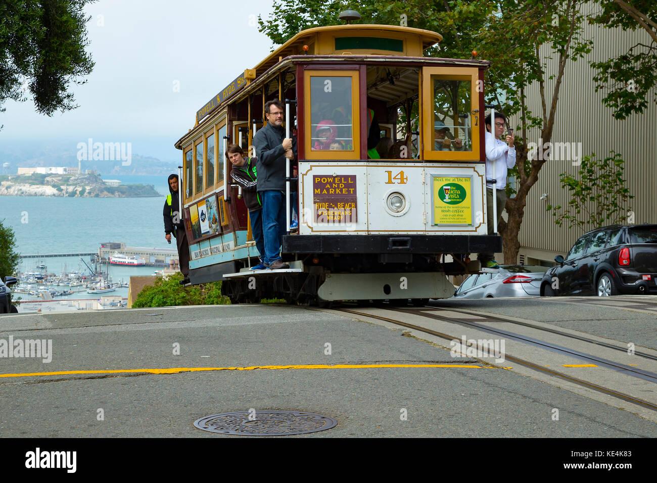 USA San Francisco Cable Car 14 Zeile 60 powelll Hyde Linie auf dem Kamm der Hyde Street auf Russian Hill Stockbild