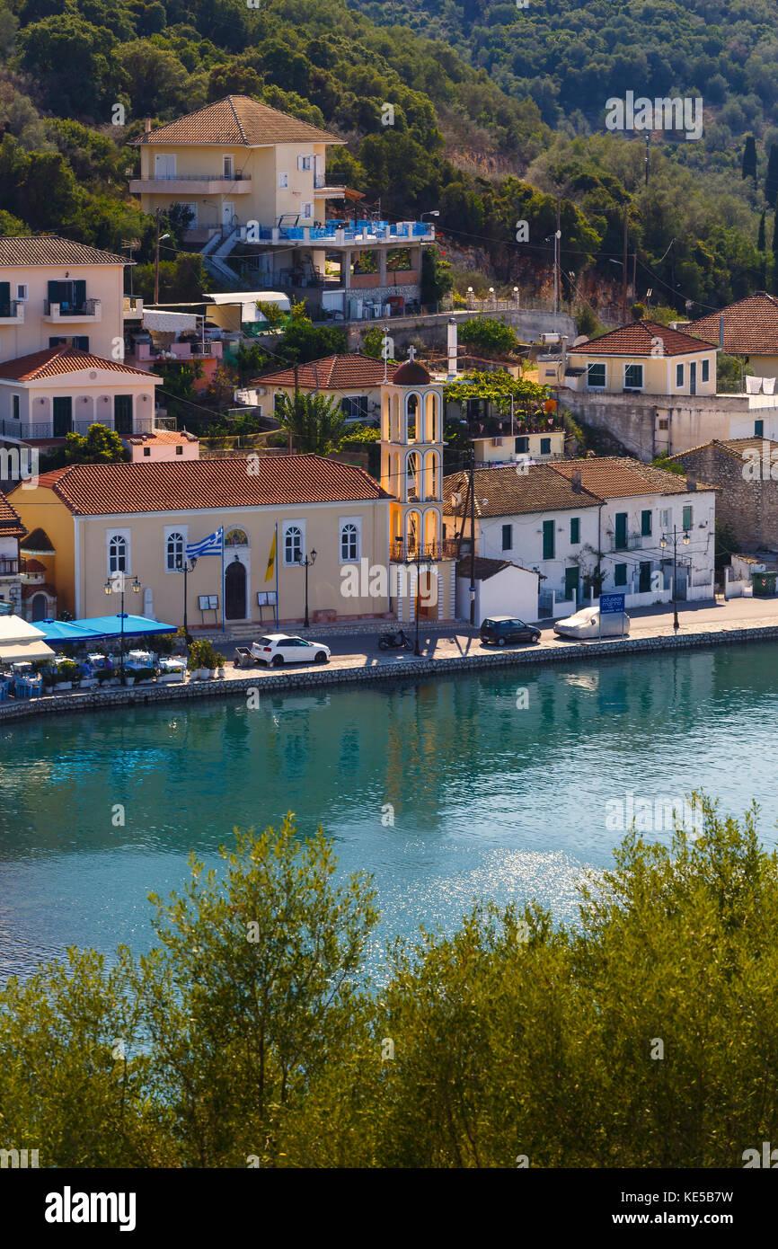 Ansicht der Vathy harbur auf Meganisi Insel, Griechenland. Stockbild