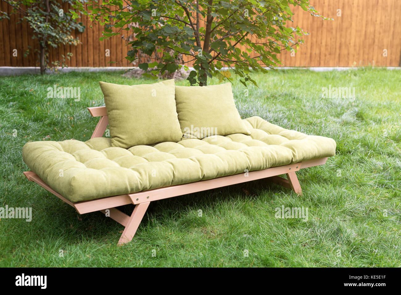 rattan sofa stockfotos rattan sofa bilder alamy. Black Bedroom Furniture Sets. Home Design Ideas