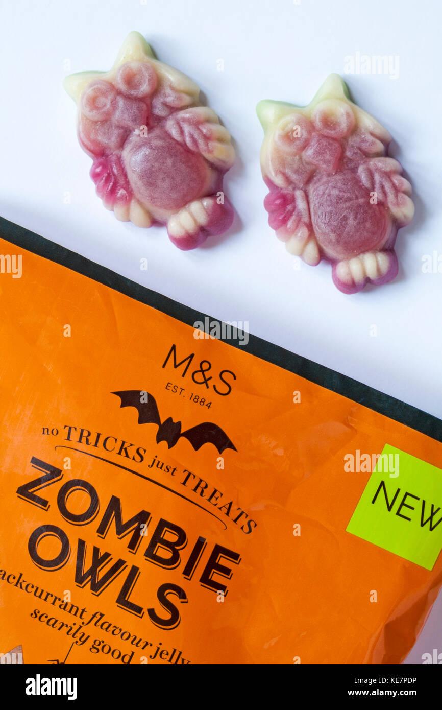 Paket von M&S Zombie Eulen Kalk & Aroma von schwarzen Johannisbeeren gelee Bonbons erschreckend gut - keine Stockbild