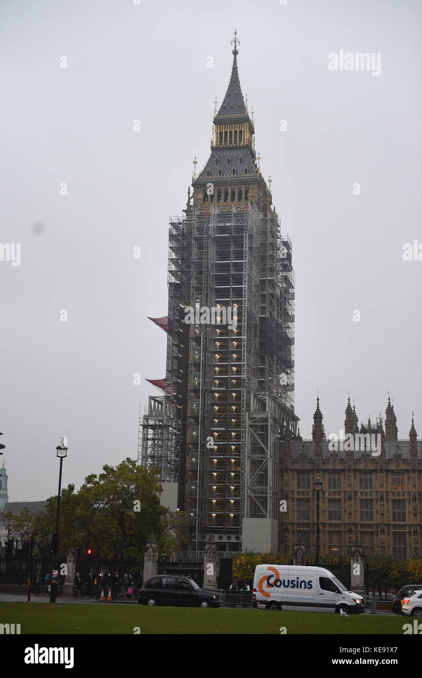 Big Ben im Gerüst heute Bild Jeremy Selwyn Credit: Evening Standard Stockbild