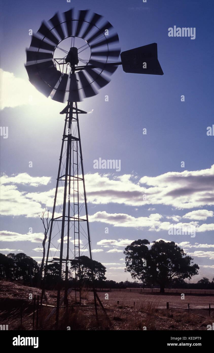 Wind angetriebenen Wasserpumpe, aka Windmill Bohrung der Pumpe Stockbild