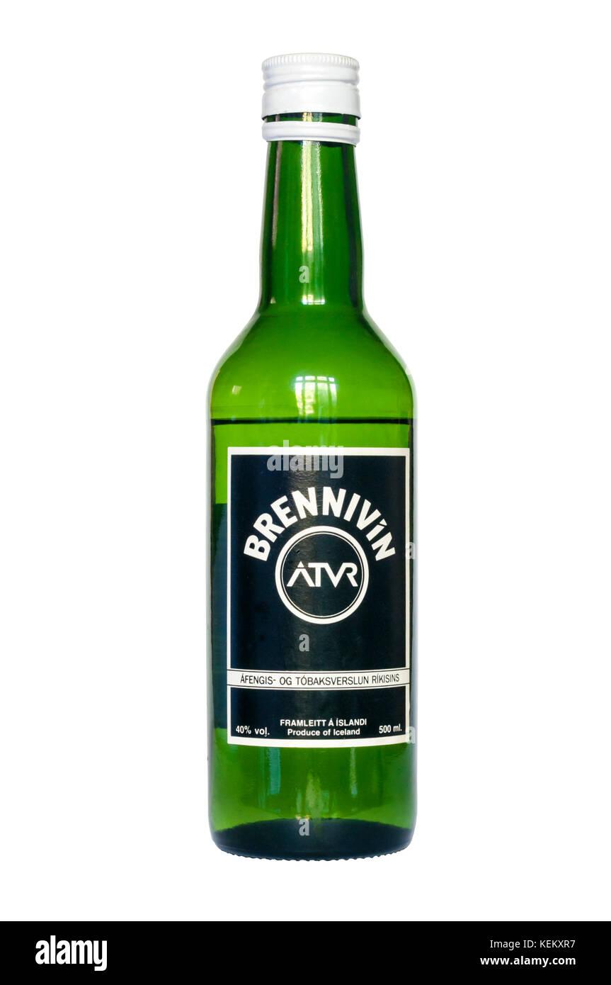 Flasche Brennivin von c 1990 Wenn unter Monopol produziert von Islands staatliche Alkohol Firma Áfengis-og tóbaksverslun Stockfoto
