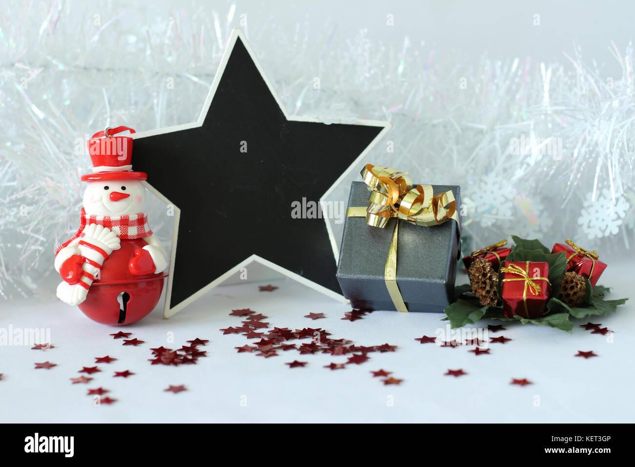 Weihnachtsfeier Dekoration.Polar Bär Mit Hut Und Ein Rotes Tuch Für Weihnachtsfeier Dekoration