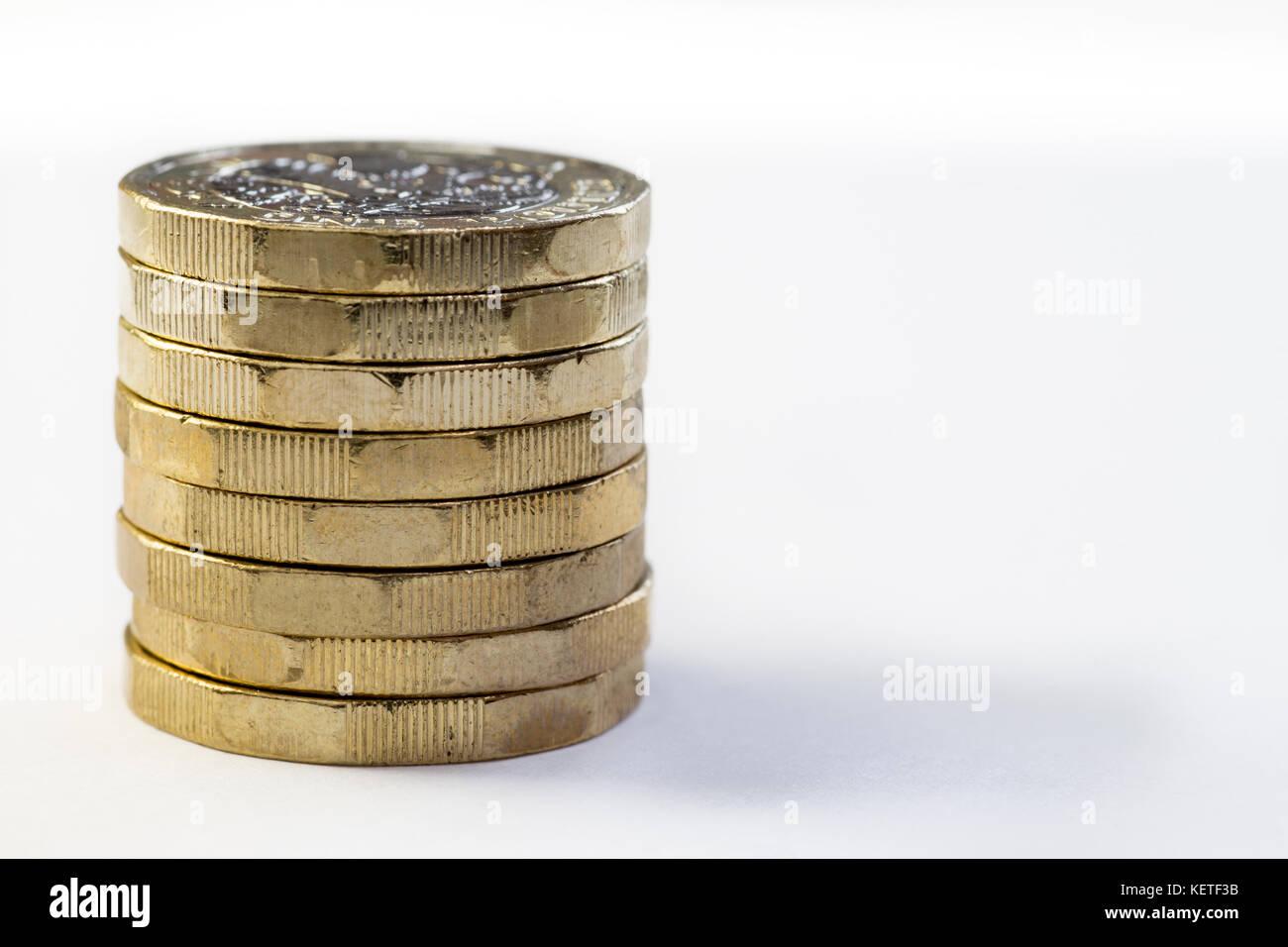 Stapel Von 2017 Neue Britische Pfund Münzen Stockfoto Bild