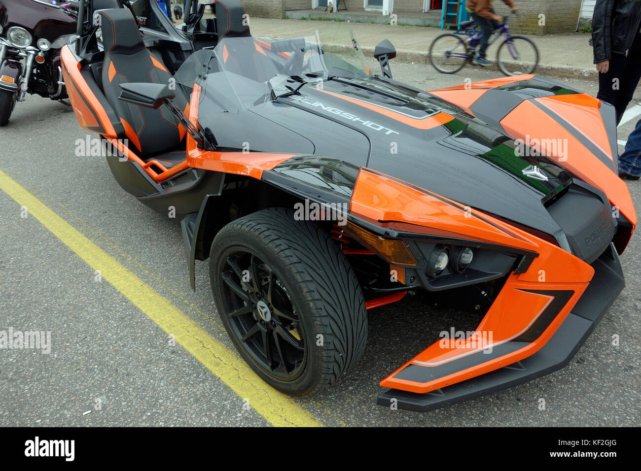 ein polaris slingshot 3 rad motorrad automobil autocycle. Black Bedroom Furniture Sets. Home Design Ideas