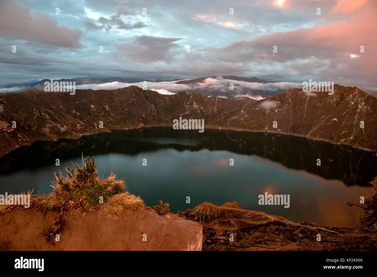 Quilotoa Krater und See (Lagune), Anden. ilinizas Naturschutzgebiet, Ecuador Stockbild