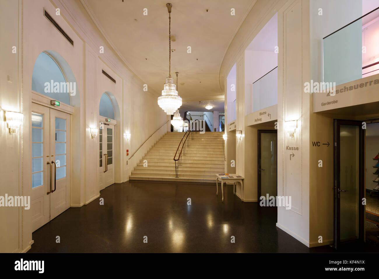 Kronleuchter Treppe ~ Staatstheater mainz rheinland pfalz großes haus vestibuel