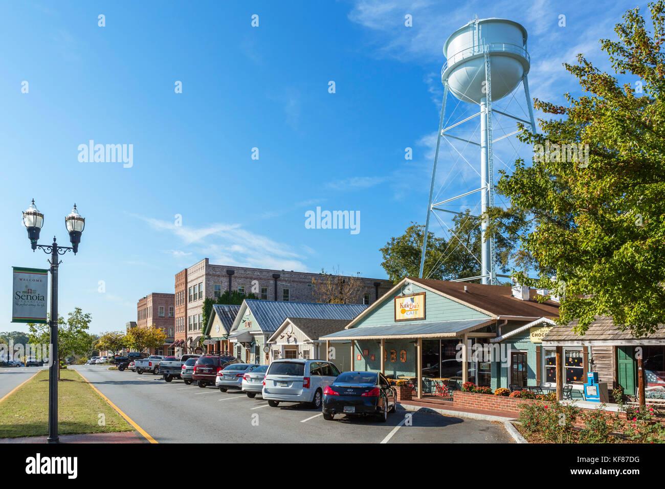 """Main Street, Senoia, Georgia, USA. Senoia ist die Lage für die Stadt Woodbury in der TV-Serie """"The Walking Stockbild"""