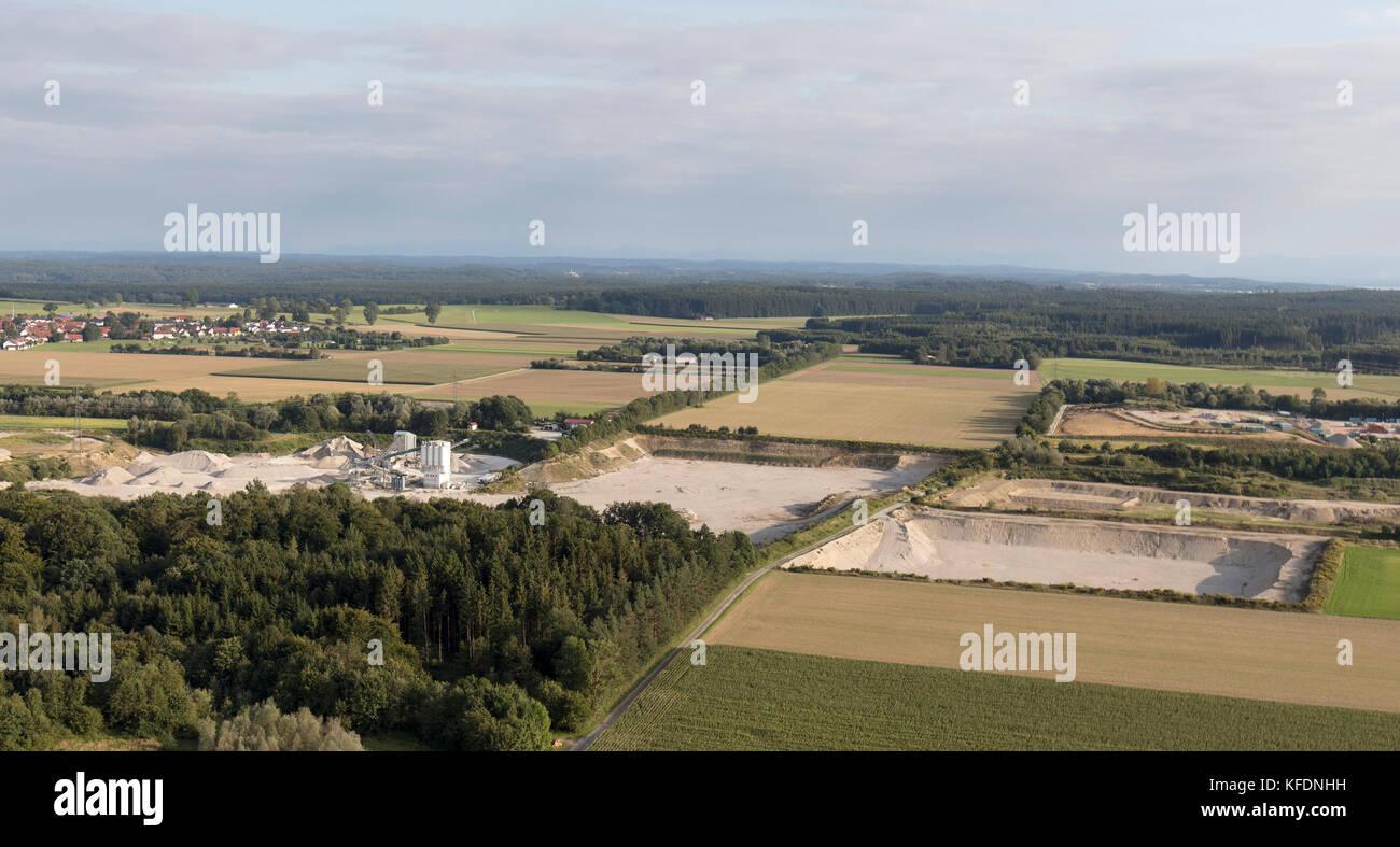 Luftaufnahme der Heidelberger Beton GmbH-Gebiet München, Ready Mix Betonwerk, Landsberied, Bayern, Deutschland Stockbild