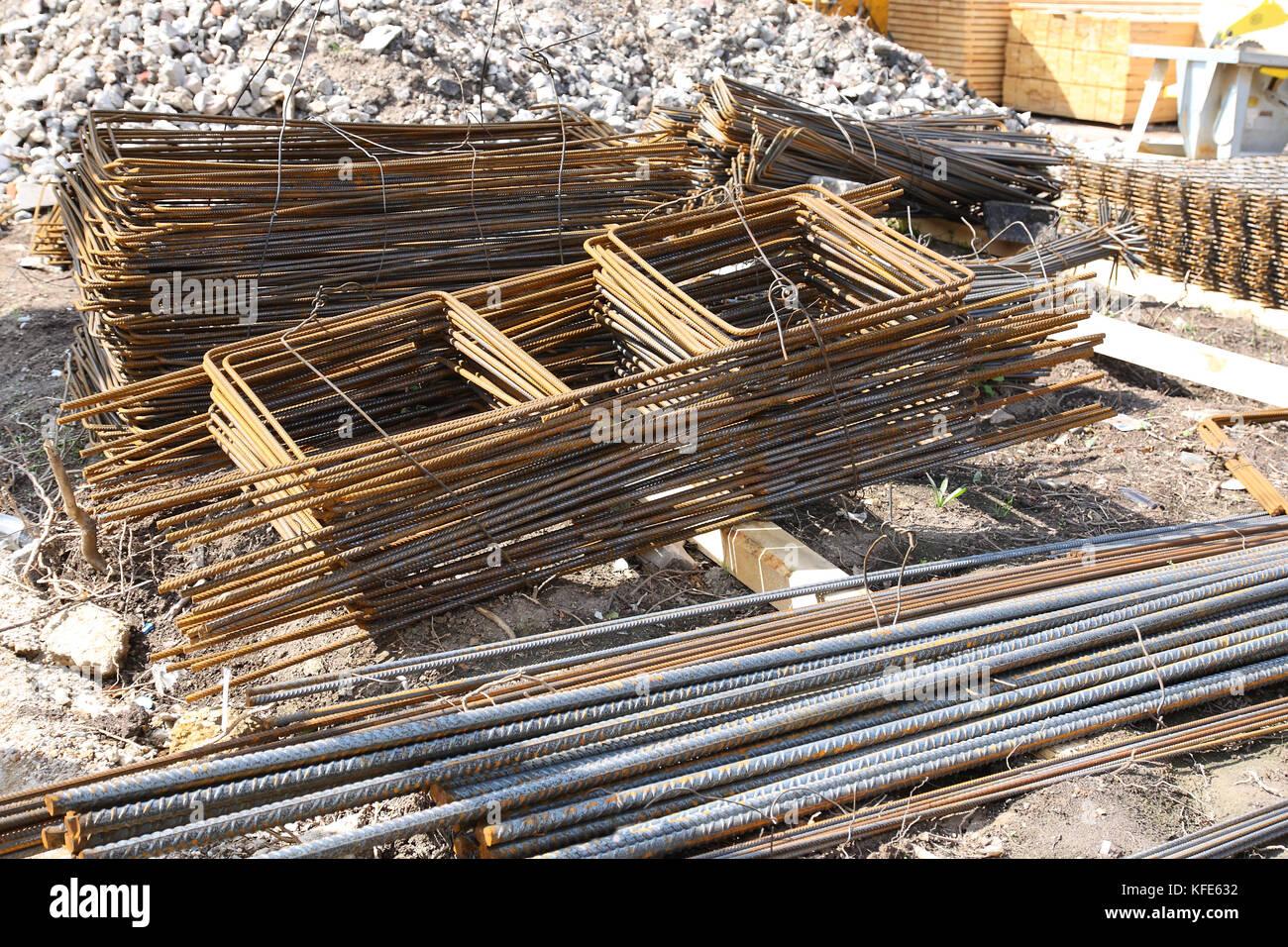Baustahl in Form einer baustele, fertig zum Beton gießen, Verschalung Stockbild