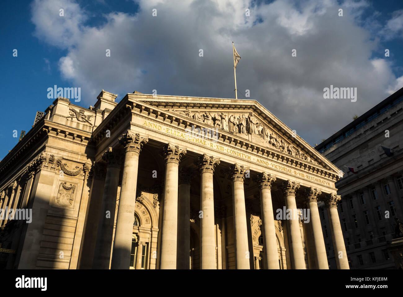 Spalten auf der Royal Exchange, Clity von London, Großbritannien Stockfoto