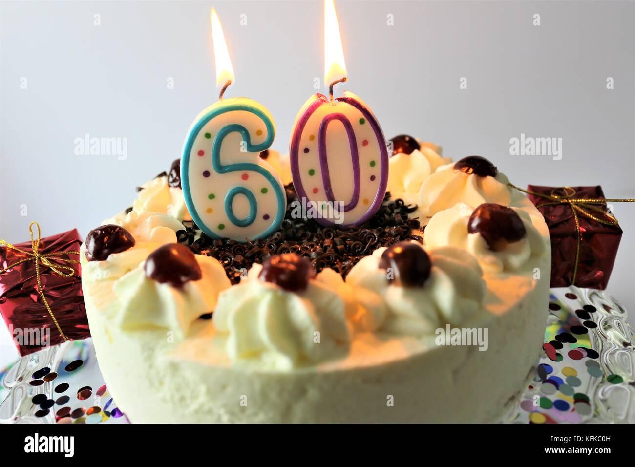Ein Bild Von Einem Geburtstagskuchen Mit Kerze 60 Stockfoto Bild