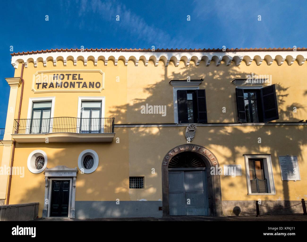 """Tramontano Hotel. Geburtsort der berühmten italienischen Dichter Torquato Tasso, Autor von: """"Jerusalem Stockbild"""