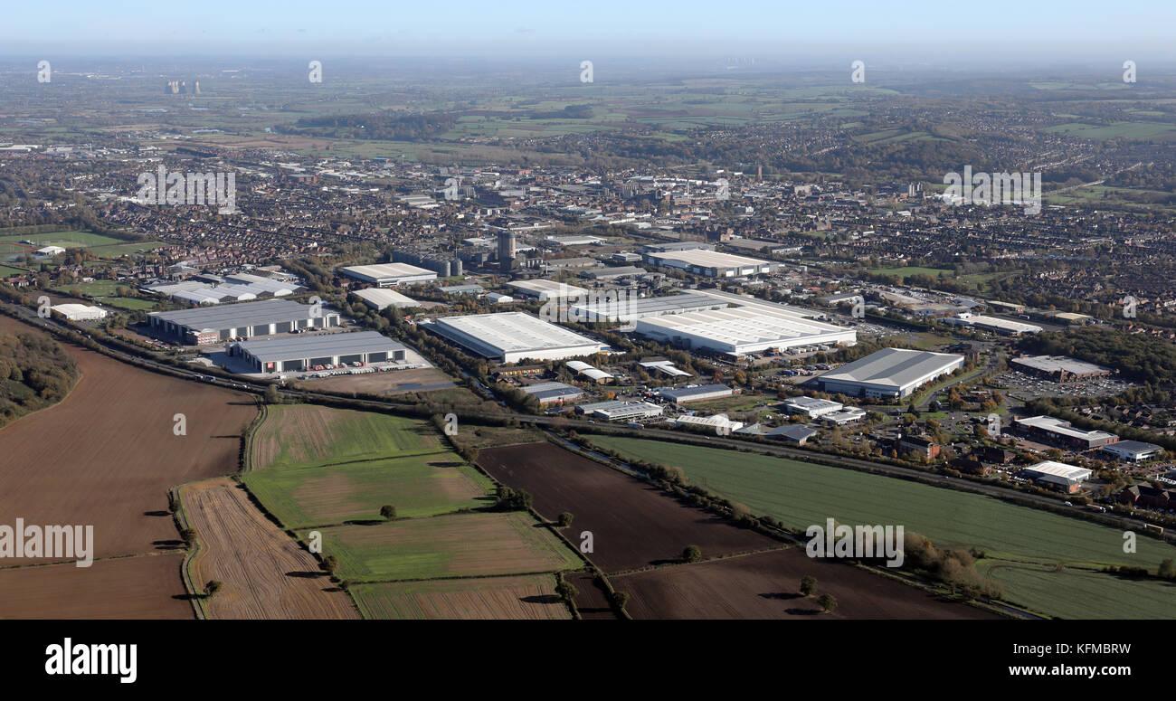 Luftaufnahme der Industrie an der Südwestseite von Burton-on-Trent, Großbritannien Stockfoto