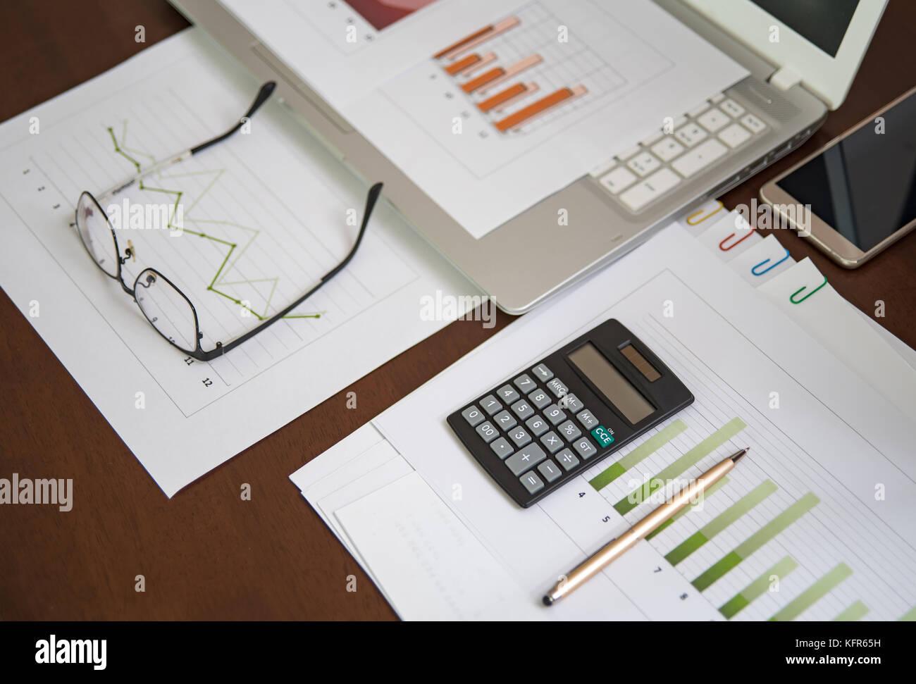 Business Finanzen, Steuern, Buchhaltung, Statistik und analytische Forschung Konzept Stockfoto