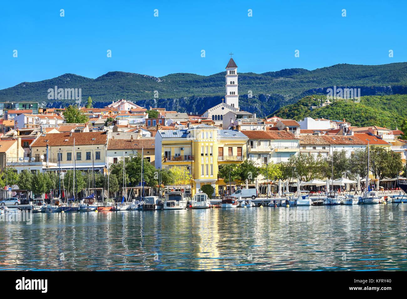Ansicht der mediterranen Küstenstadt crikvenica Istrien, Kroatien Stockbild