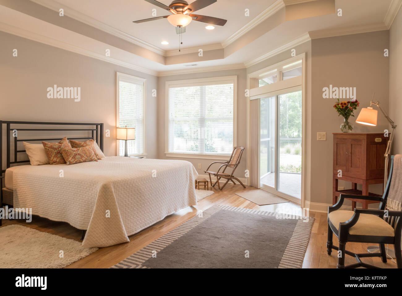 Gehobenen Wohn- Schlafzimmer, USA Stockfoto, Bild: 164652314 - Alamy