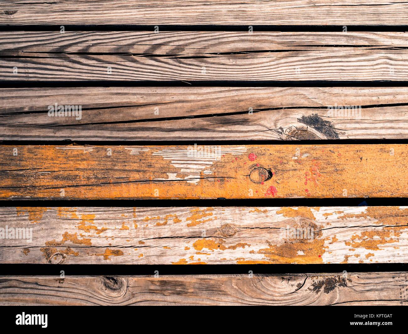 alte holzbohlen kiesige holz textur hintergrund stockfoto, bild