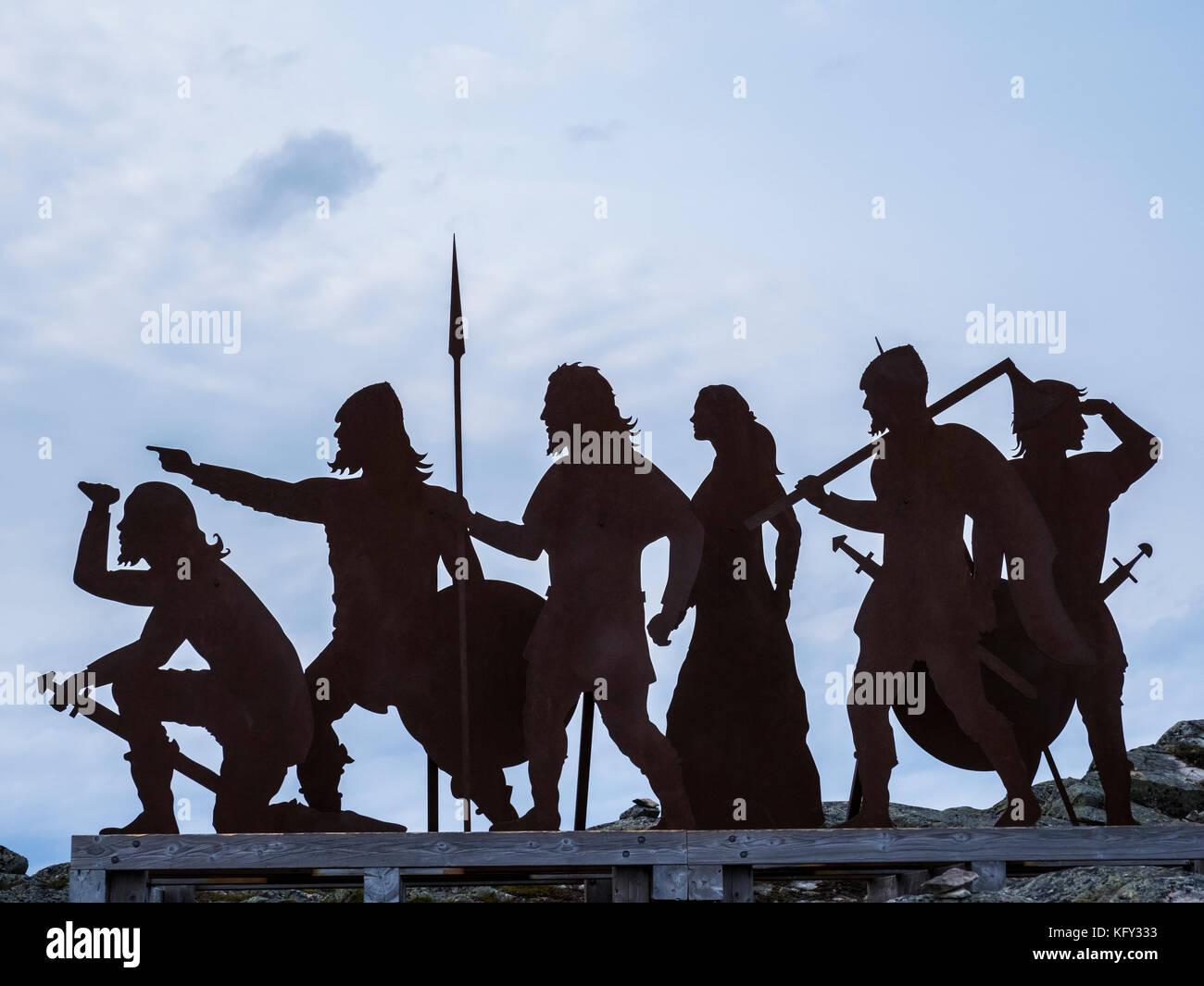 Viking Figuren auf einem Hügel, L'Anse aux Meadows National Historic Site, L'Anse aux Meadows, Highway Stockbild