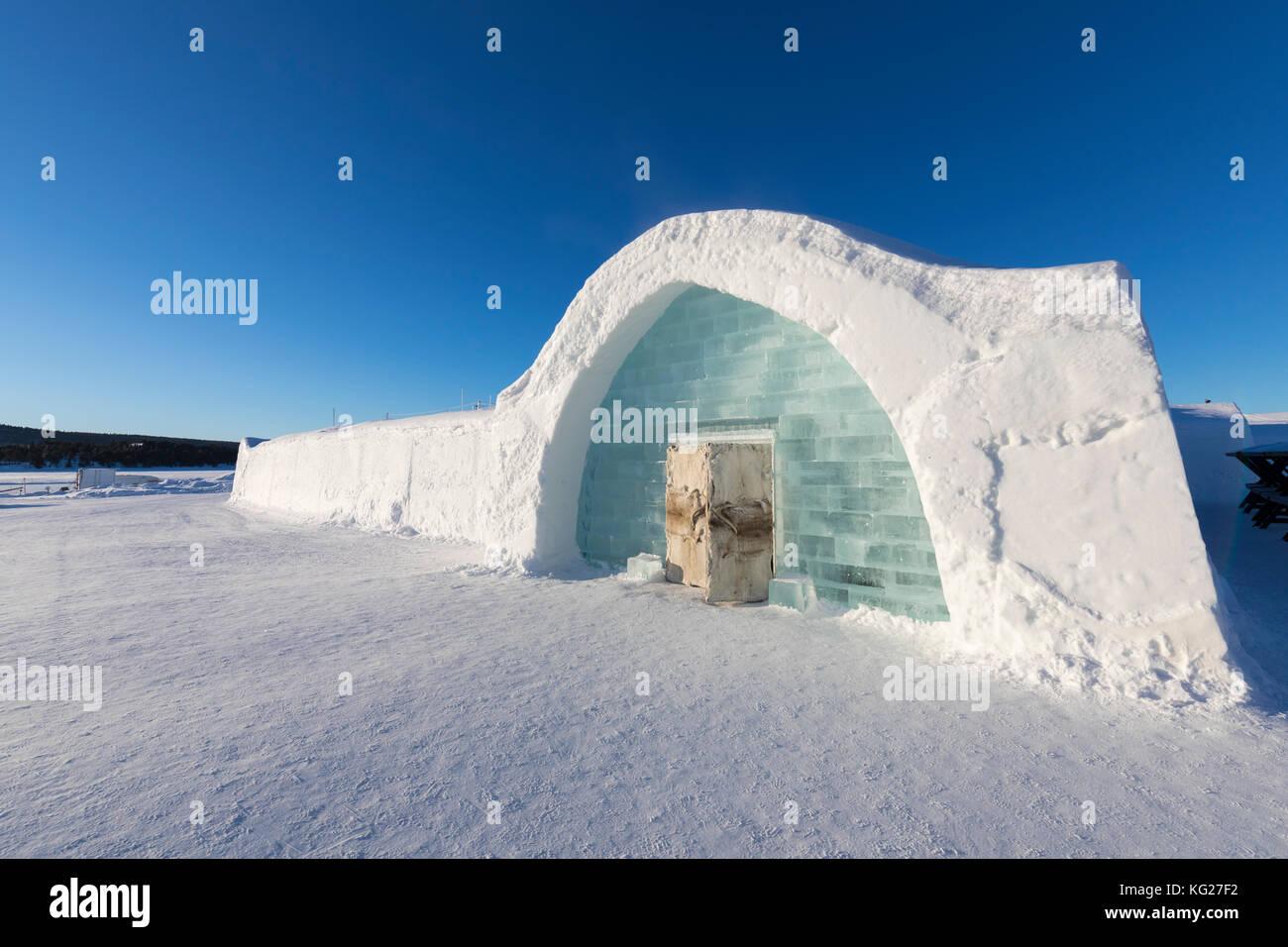 eis gebude mit iglu form in den schnee eis hotel jukkasjrvi kiruna norrbottens ln lappland schweden skandinavien europa