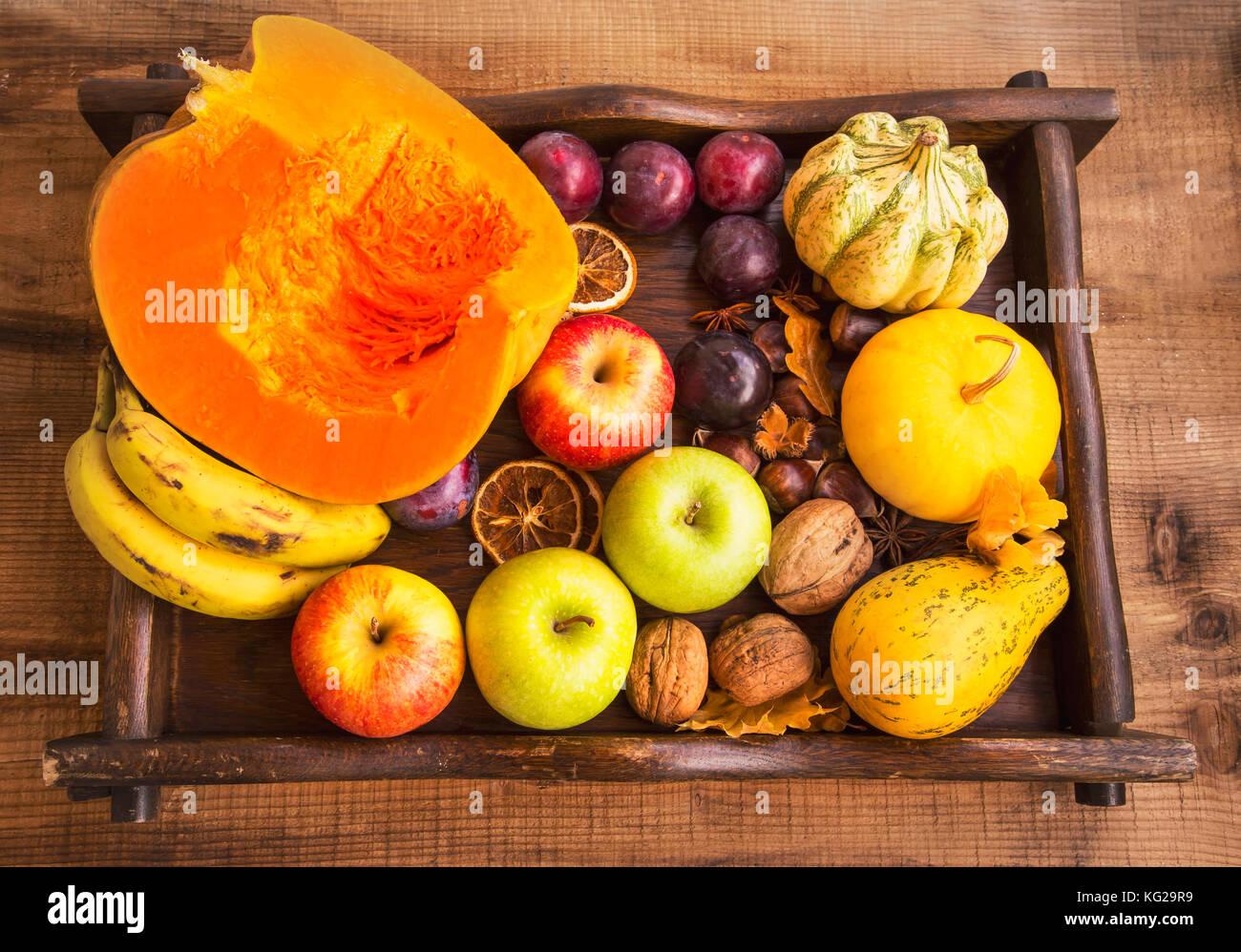 Herbst Obst Und Gemuse Ernten Auf Holz Fach Blick Von Oben Auf Die