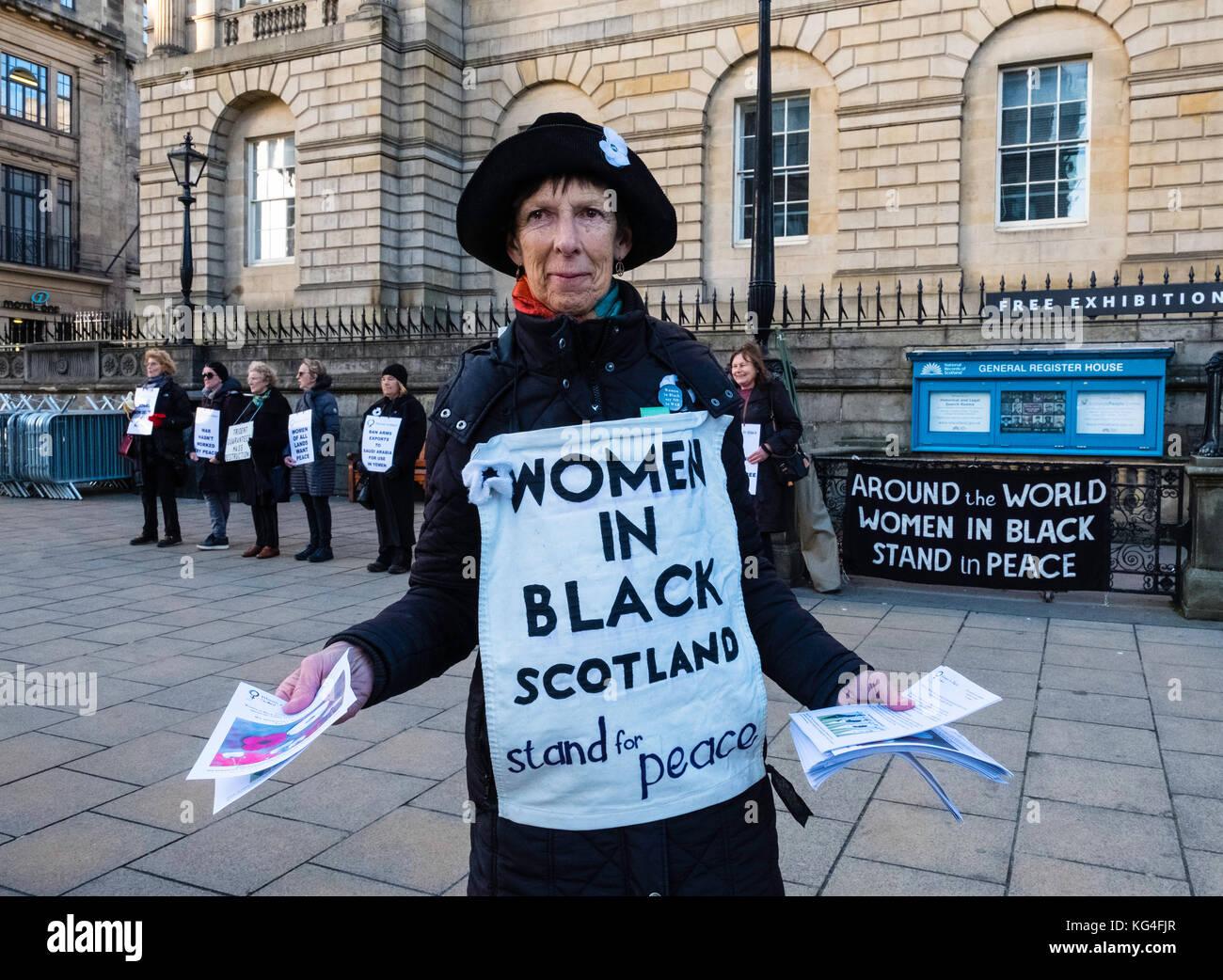 Edinburgh, Schottland, Vereinigtes Königreich. 04. Nov. 2017. Weibliche pazifistische Gruppe der Frauen in Stockbild